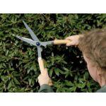 Spear & Jackson ADVANTAGE rendkívül éles sövénynyíró olló (fa nyéllel)